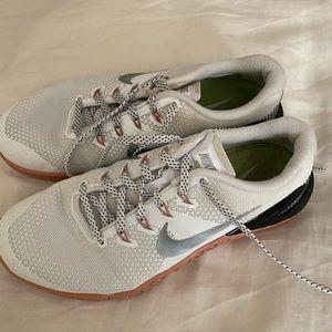 Nike Metcon White, Pink & Black Training Shoes